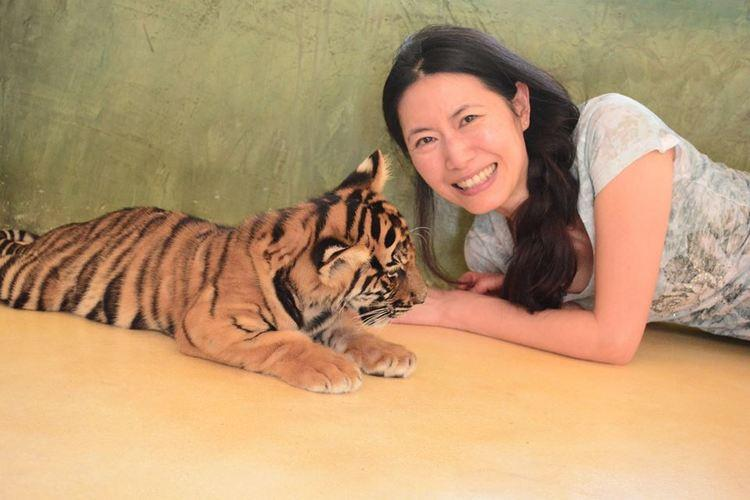Diana Kaufman with tiger kitten